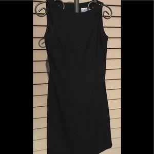 CDC Sz 6 sleeveless Black Dress button accent